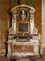040-006ヴィジェーヴァノの胸像