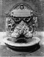 003-001ヴァチカンの蜂の噴水