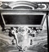 028-014墓の紋章