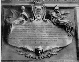 032-006カルロ・バルベリーニの記念碑