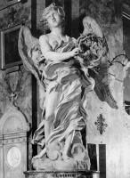 015-003茨の冠を持つ天使