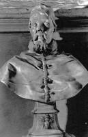 050-002ウルバヌス8世の胸像